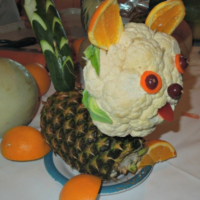 Puppy Dog made from fruit and vegetables!  #fruit  #vegetables #centerpiece   grandparentsplus.com
