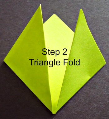 Easter Cross - Step 2  #origami #Easter #kid art     www.grandparentsplus.com
