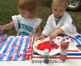 4th of July T-shirt Craft    #t-shirt #craft #patriotic    www.grandparentsplus.com