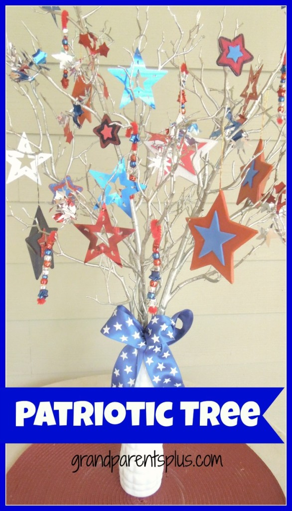 patriotic tree   www.grandparentsplus.com