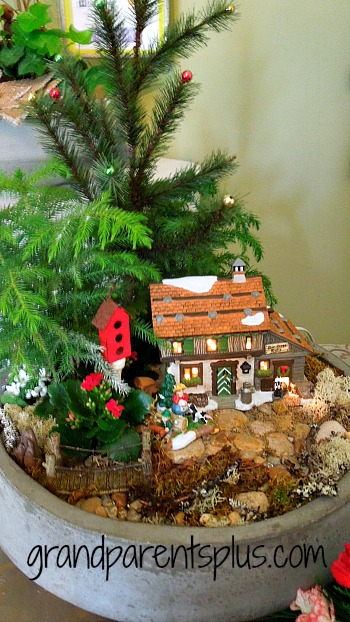 Christmas Idea House 2013 Part 4 grandparentsplus.com