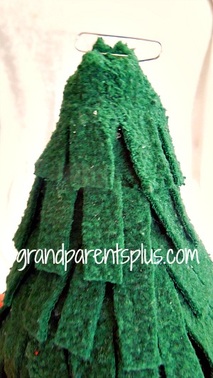 Christmas Trees from a Sweatshirt   grandparentsplus.com