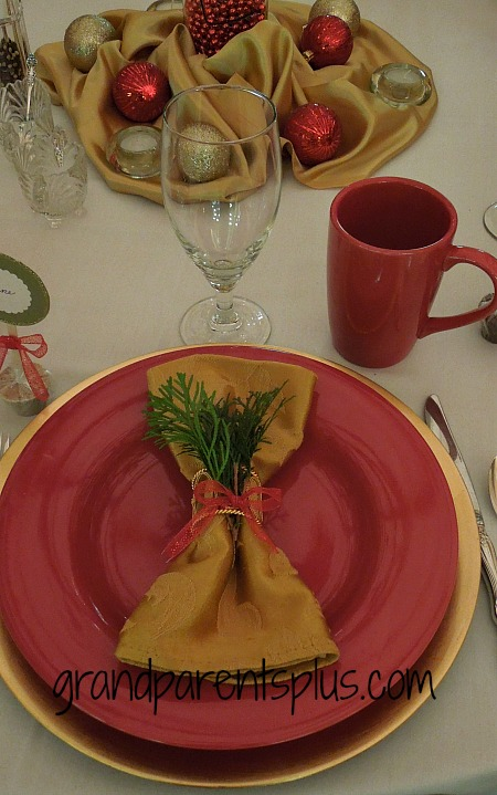 Awesome Christmas Place Setting Ideas    grandparentsplus.com