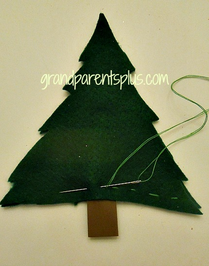 Christmas Tree Lollipop Holder   grandparentsplus.com