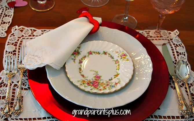 Valentine Tablescape   grandparentsplus.com