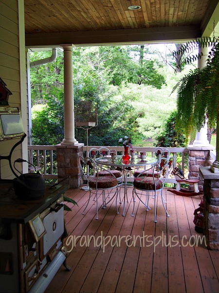 Vintage Wrought Iron Table and Chairs 038p Front Porch Tour