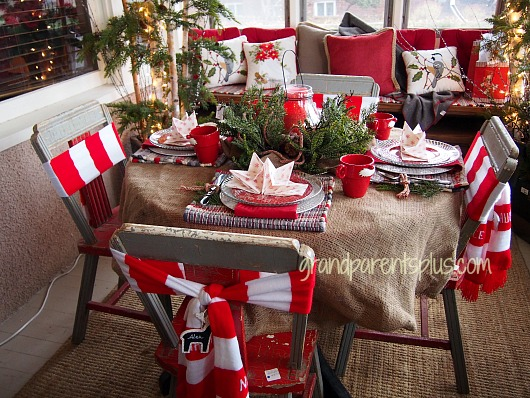Christmas Idea House Porch setting11 Christmas Idea House 2014