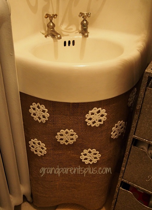 Christmas Idea House bathroom sink Christmas Idea House 2014 Part 2