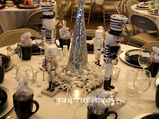 Christmas Tablescapes Part 1  grandparentsplus.com