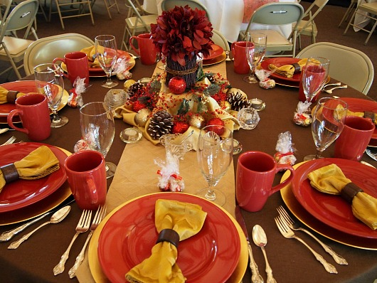 Christmas Tablescape red and gold Christmas Tablescapes   Part 2