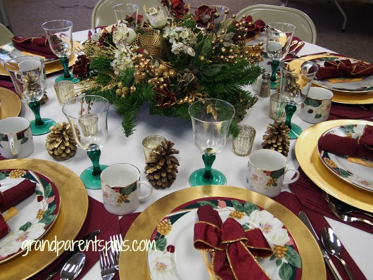 Christmas Tablescapes burgandy 1a Christmas Tablescapes   Part 2