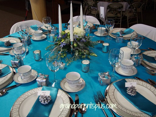 Christmas Tablescapes turquoise 1 Christmas Tablescapes   Part 2