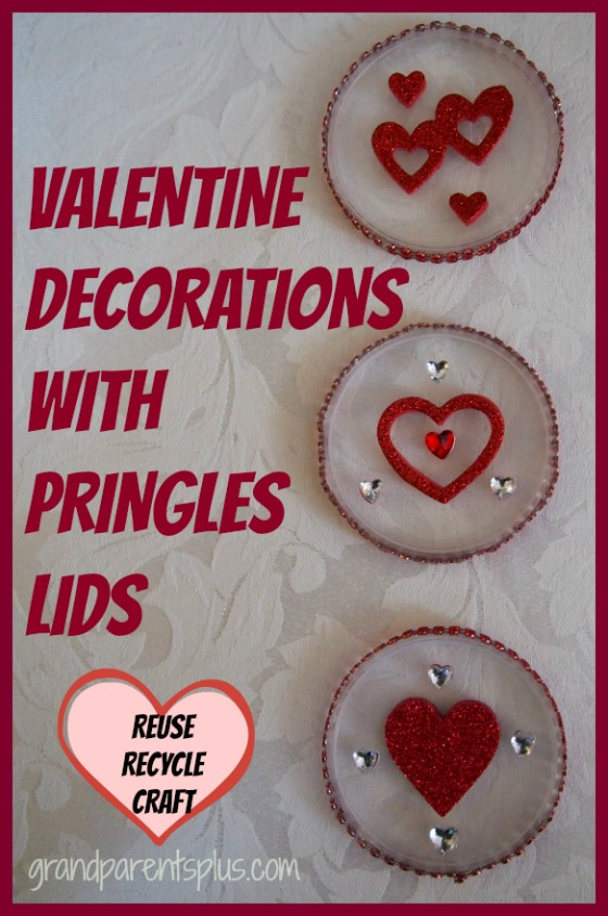 Valentine Decorations with Pringles Lids   grandparentsplus.com