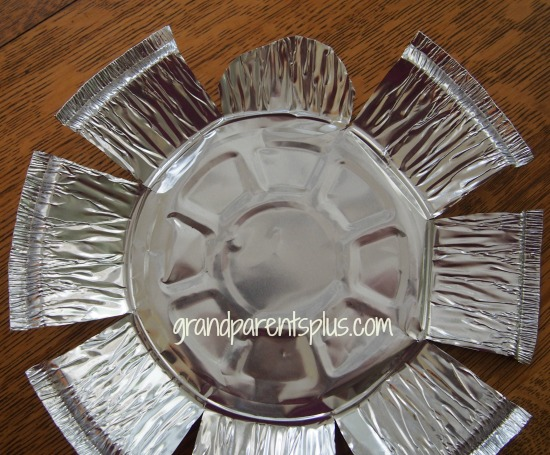 Recycled Aluminum Pan Art   grandparentsplus.com