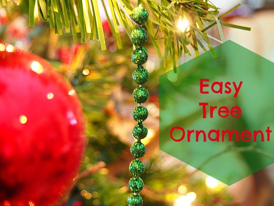 http://grandparentsplus.com/wp-content/uploads/2015/12/Easy-Tree-Ornament.jpg